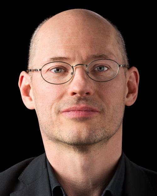 Portrait von Dr. Michael Efler.