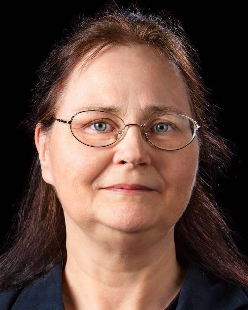 Portrait von Marion Platta.