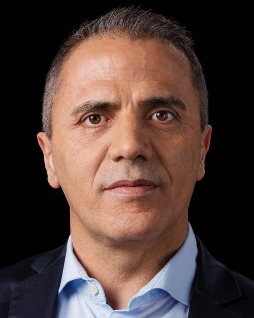 Portrait von Hakan Taş.