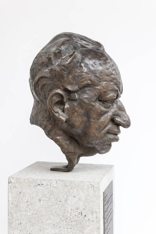 Büste von Otto Friedrich Bach.
