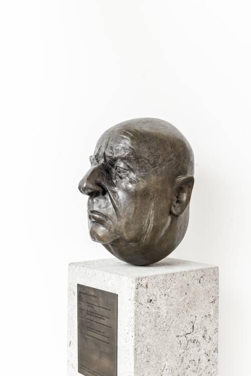Büste von Heinrich Lummer.