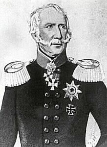 Schwarz Weiß Zeichnung eines älten Mannes in alter militärischer Uniform und Abzeichen. Er schaut zur Seite weg.