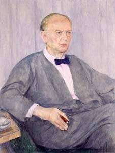 Gemälde eines älteren Mannes, der auf einem Sessel sitzt. Er trägt einen grauen Anzug und eine Fliege. Er hat kaum noch Haare und schaut streng zur Seite.