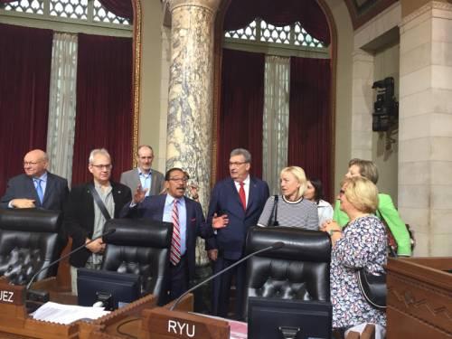 Ralf Wieland und eine Delegation von anderen PolitkerInnen in Los Angeles.