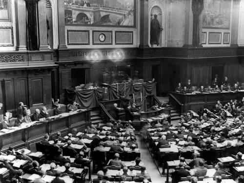 Eine Archivaufnahme des Plenarsaals