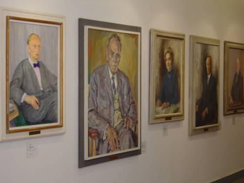 Blick auf die Gemälde der Ehren-Bürger-Galerie