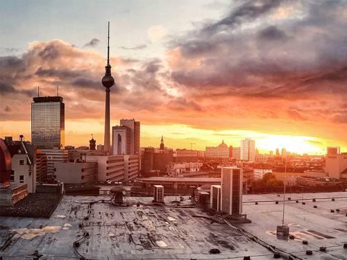 Blick auf Berlin und im Besonderen den Fernsehturm auf dem Alexanderplatz