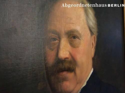 Das Bild zeigt das Gesicht von Wolfgang Straßmann